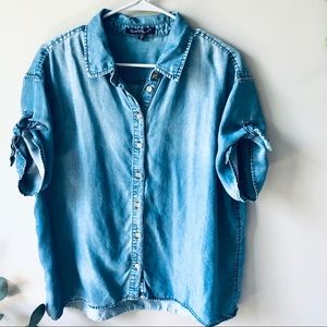 Velvet Heart Blue Denim Button Down sz M✨